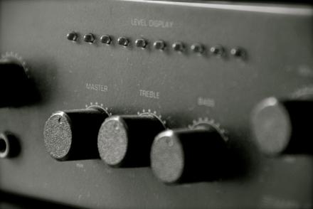 http://mediasocialchangedotnet.files.wordpress.com/2011/04/music-mixer8.jpg?w=440&h=240&crop=1